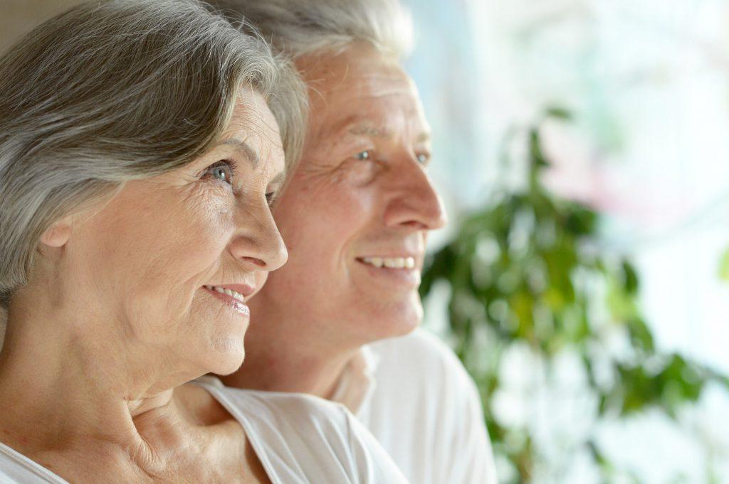 גולשים ברשת איך להדריך את סבא וסבתא על שימוש באינטרנט.