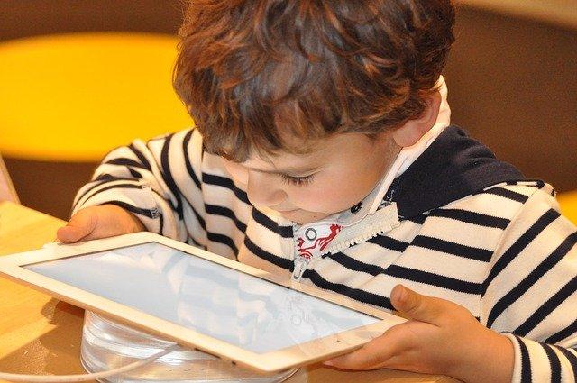 בקרת הורים באינטרנט